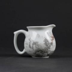 八马茶业    墨彩山水公道杯